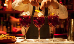 cocktail-glasses-22-dec-small.jpg (1)
